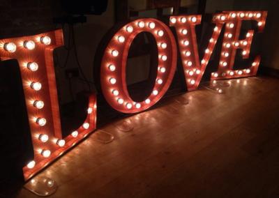 LG-Love1